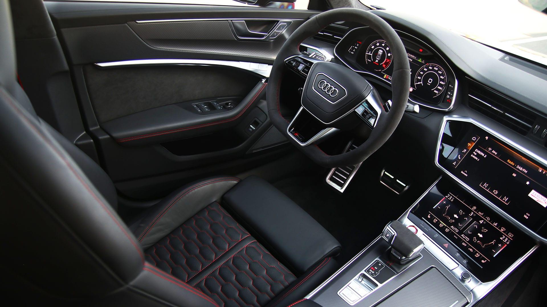 Audi RS7 Sportback interiér