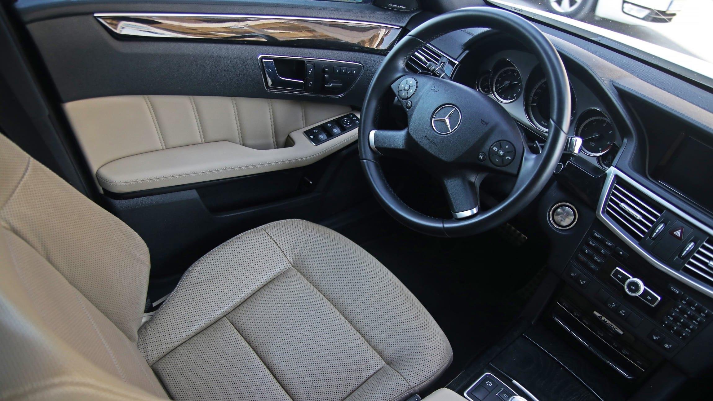 Mercedes-Benz E 350 CDI W212 Brabus interiér