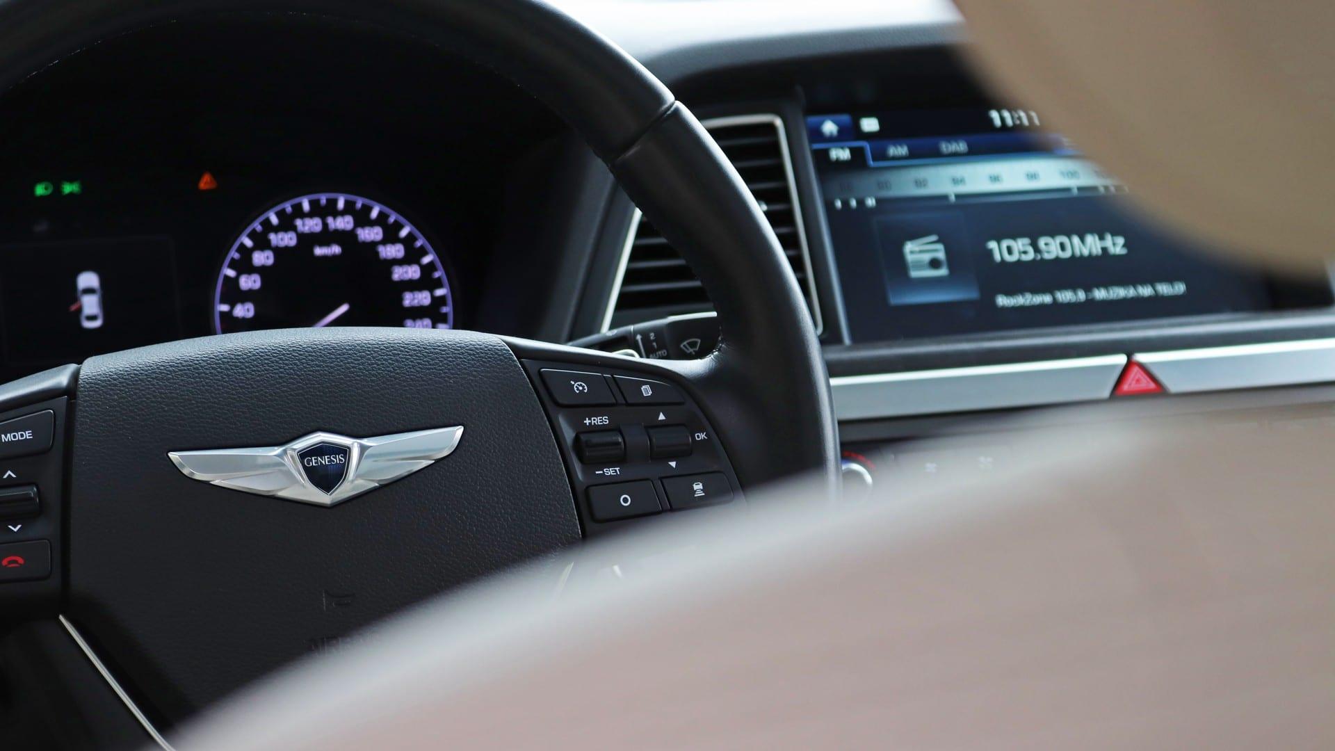 Test - Hyundai Genesis 3.8 GDI V6