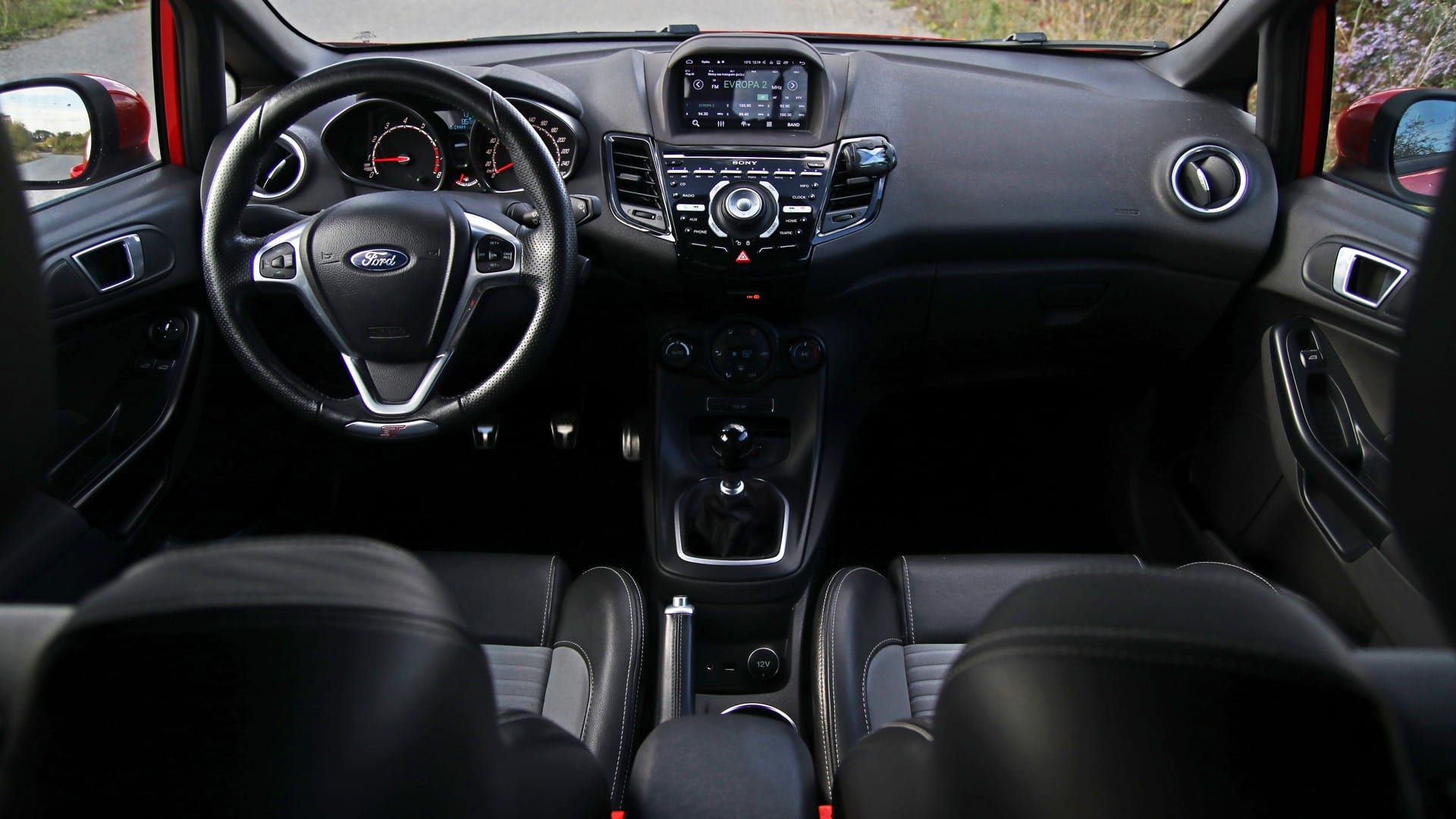 Ford Fiesta ST180 interior