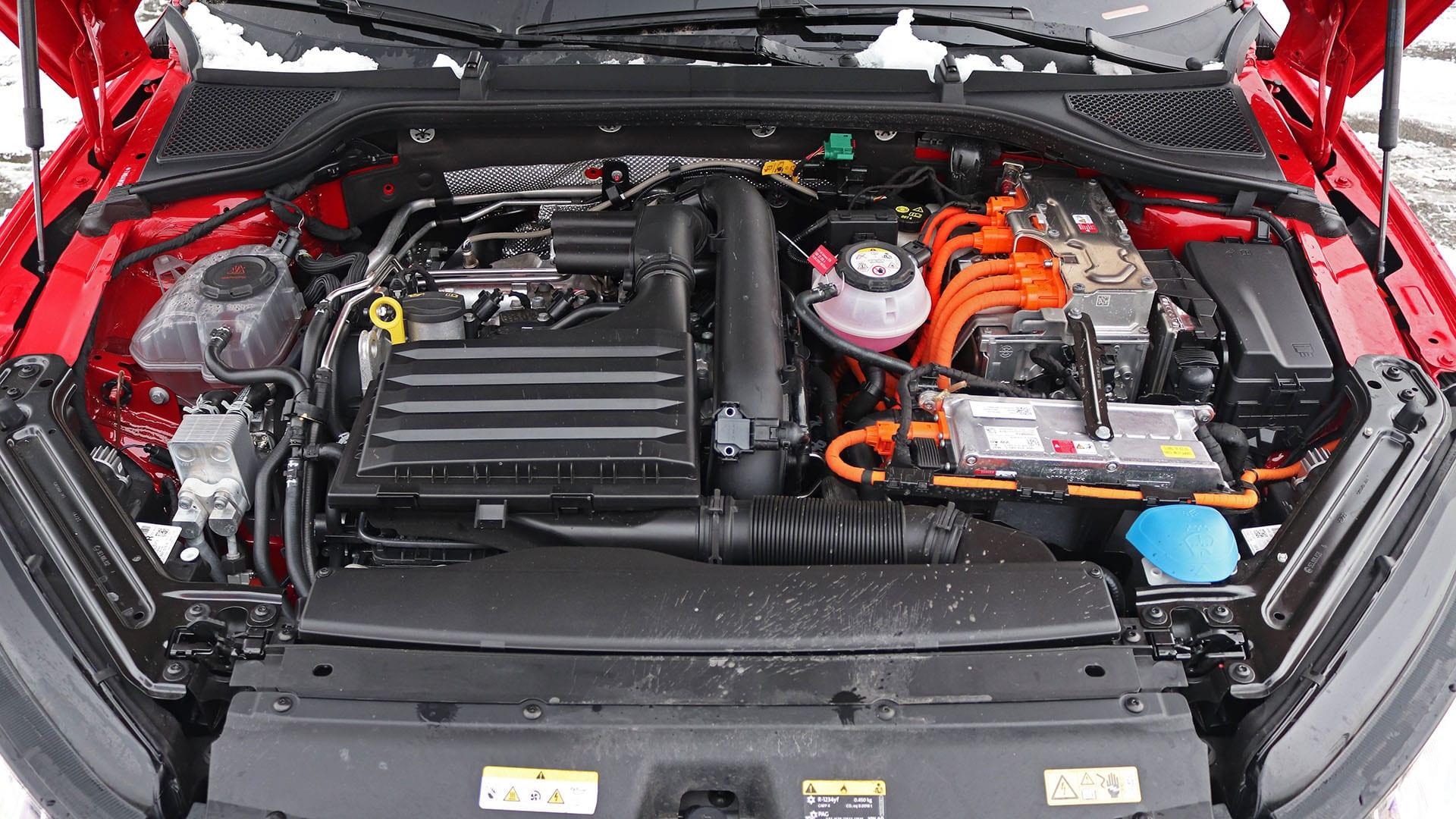 Octavia RS hybrid motor
