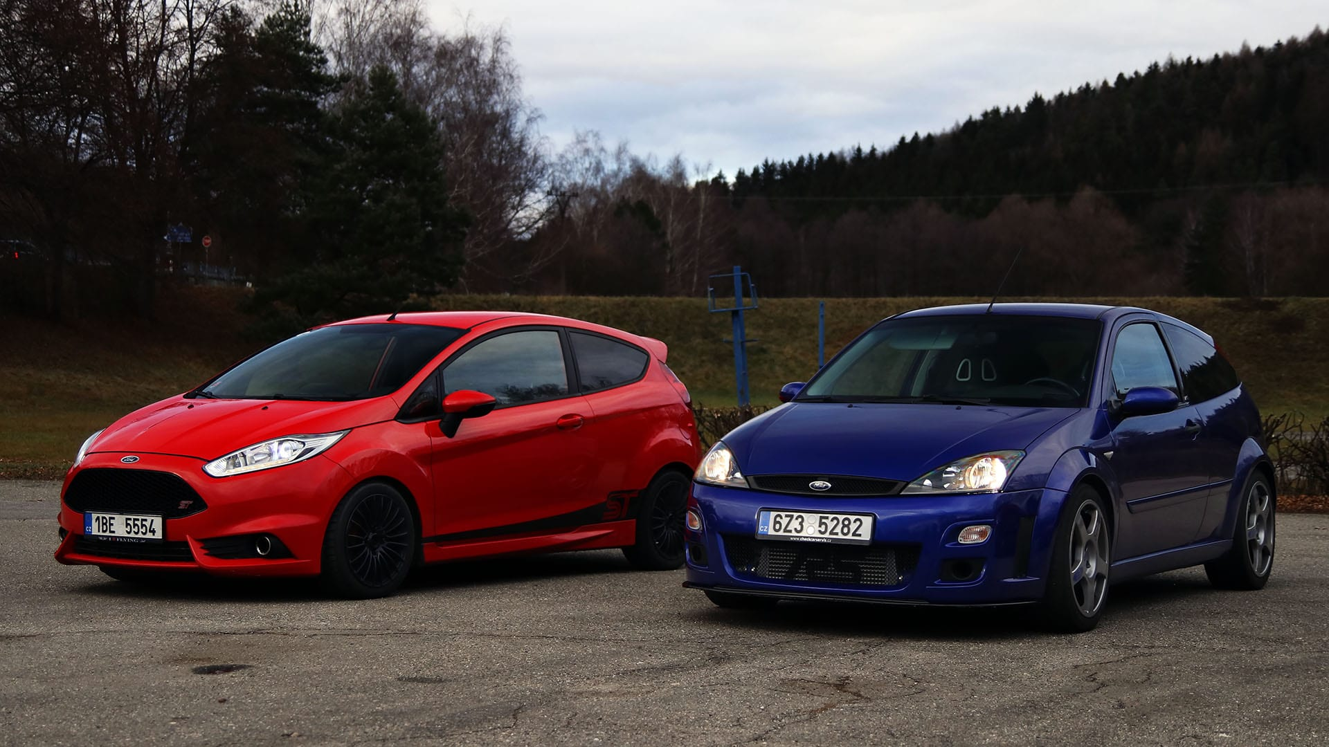 Ford Fiesta ST180 REVO Stage 2 a Ford Focus RS Mk1