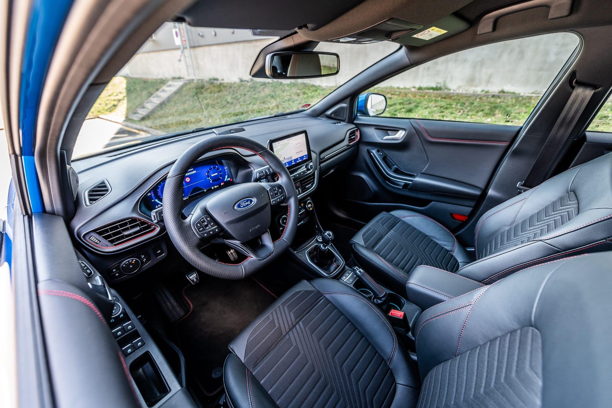 Ford Puma interiér
