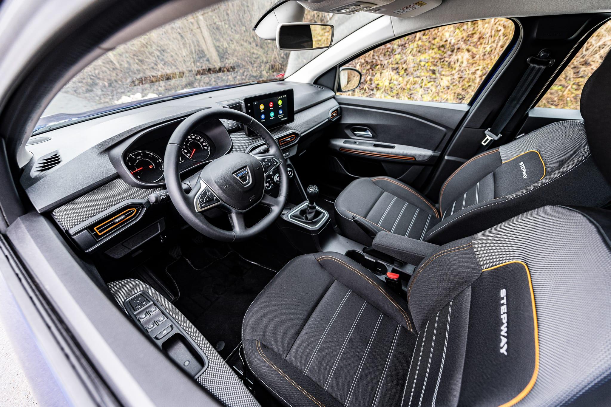 Dacia Sandero interier