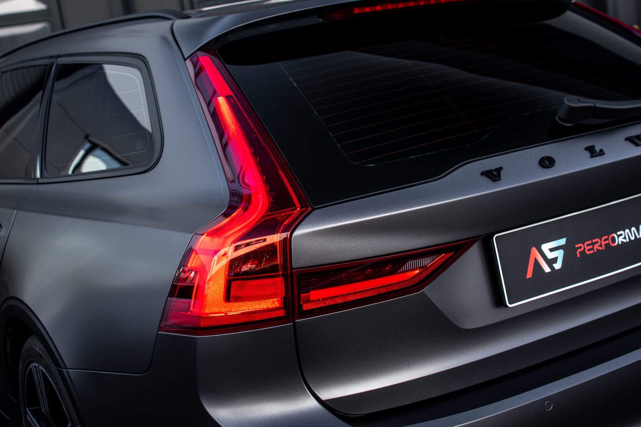 Volvo V90 zadní světlo