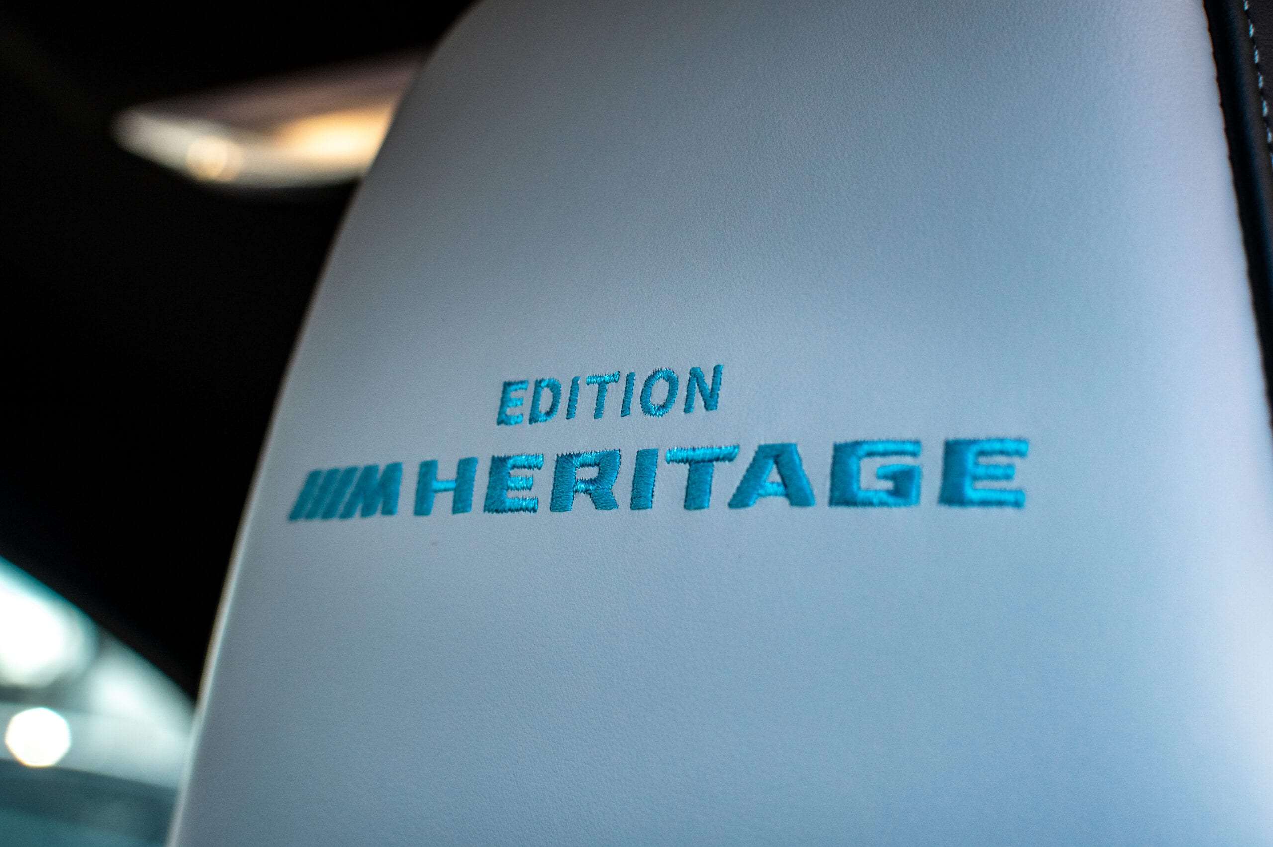 BMW M4 Edition ///M Heritage sedadla