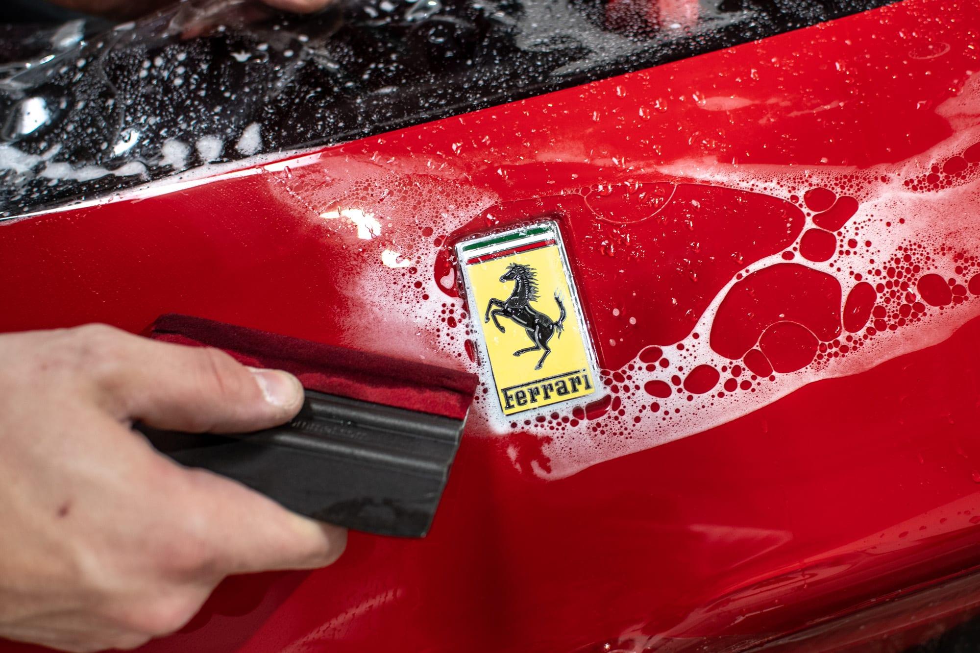 Ferrari F8 Tributo PPF polep - folie