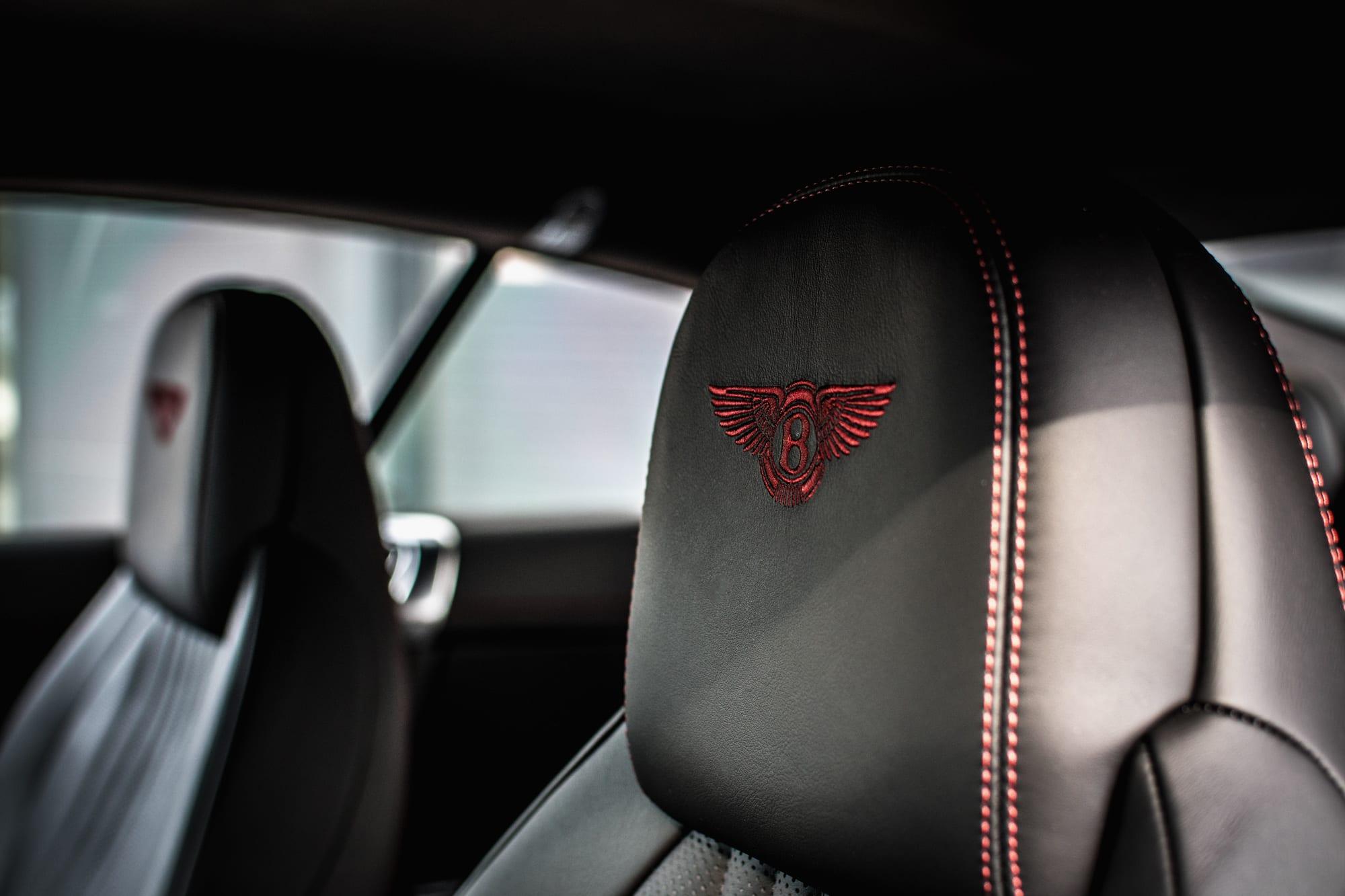 Bentley Continental GT interiér sedačky