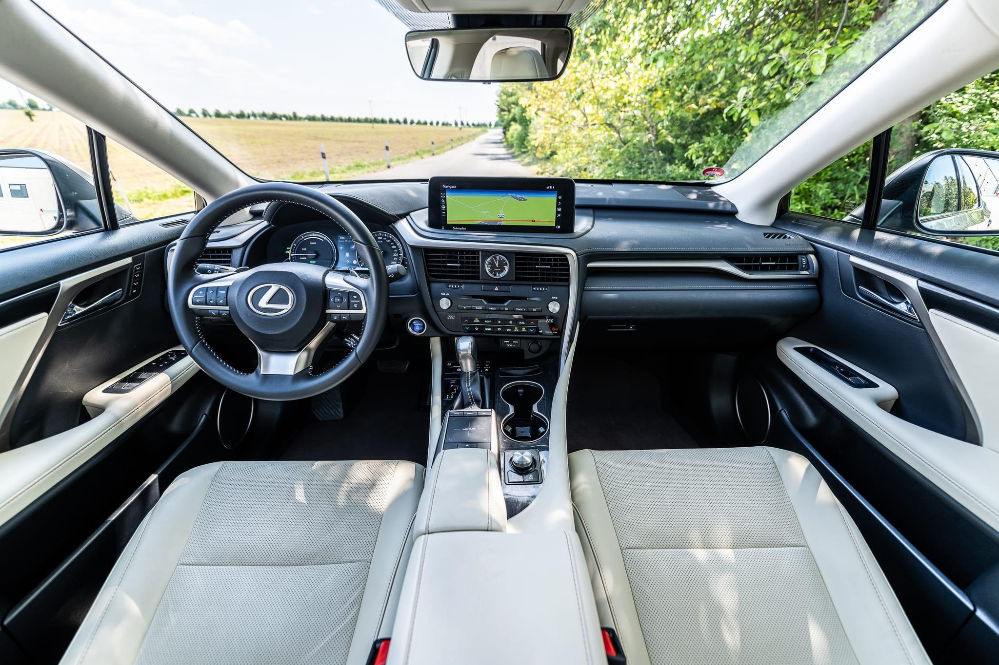 Lexus RX 450h interiér