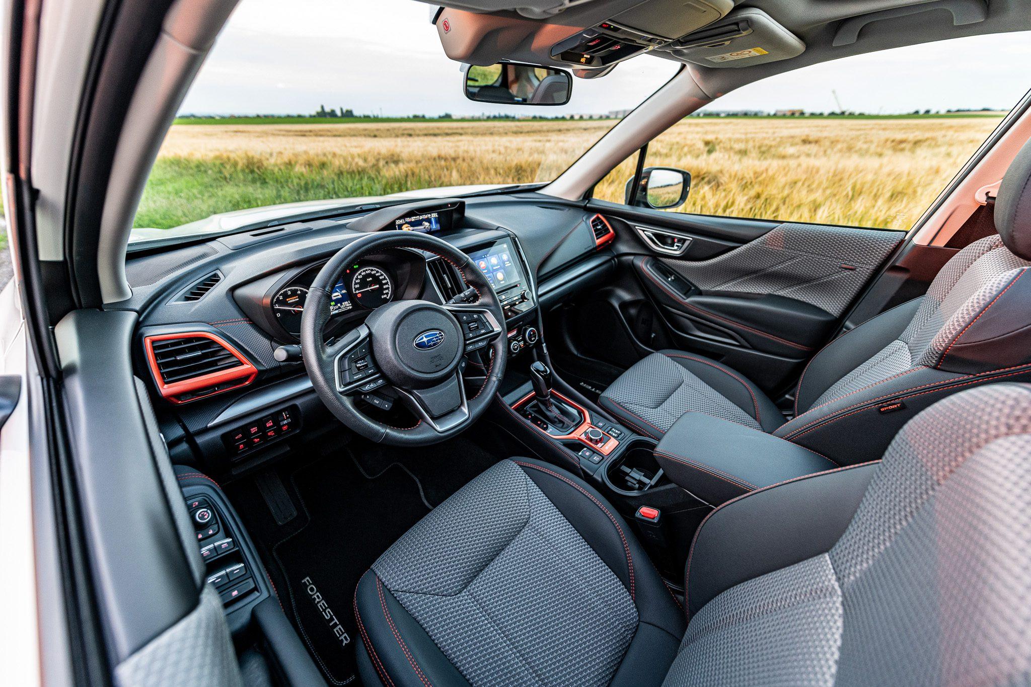 Subaru Forester Sport interié